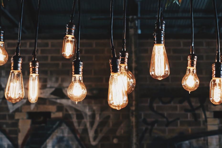 do smart bulbs use more electricity?