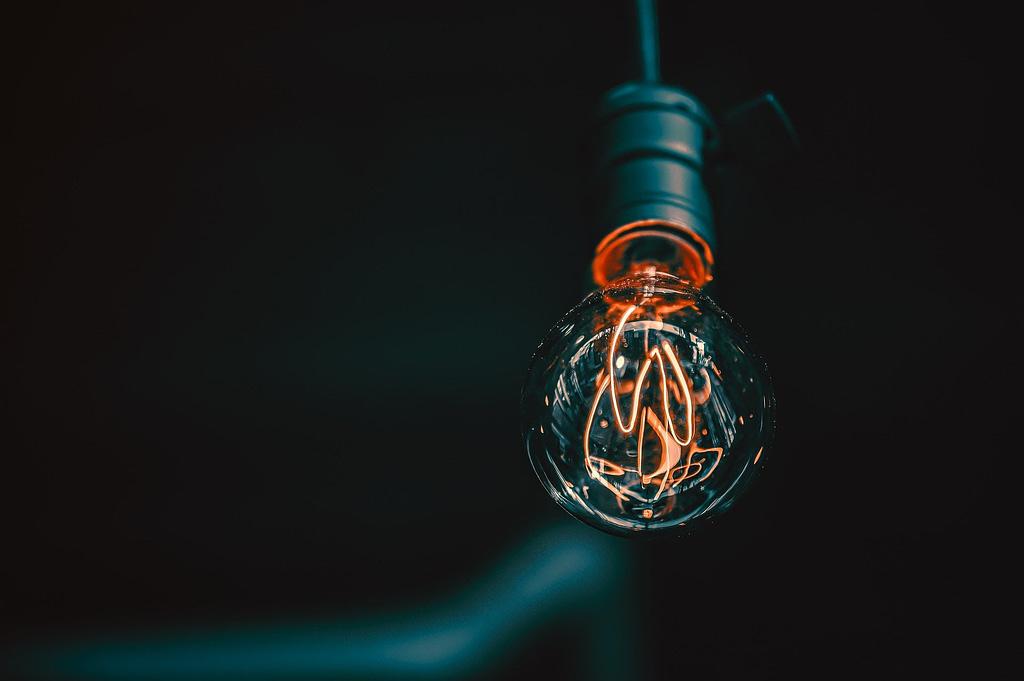Smart Filament Bulb